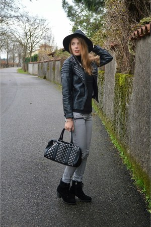 black leather pull&bear jacket - black ankle boots asos boots - Choies hat