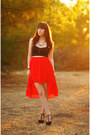 Black-crop-top-nasty-gal-shirt-red-high-low-urban-outfitters-skirt