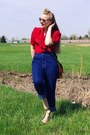 Navy-vintage-jeans-red-vintage-blouse