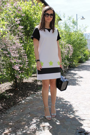 black blugirl bag - off white H&M dress - black Prada sunglasses