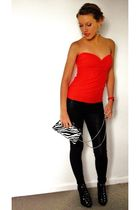red own design top - black leggings - black H&M shoes - red Mango accessories -