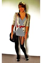 beige Vila cardigan - top - stockings - blue hilfiger purse - red Accessorize be