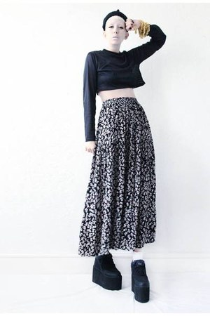 black floral Mind the Mustard skirt - black platform Cute to the Core shoes