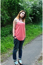 coral chain strap top Minkie vest - dune shoes - radcliffe jeans