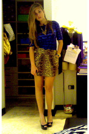 black Christian Louboutin shoes - gold Urban Outfitters skirt - blue Zara blouse
