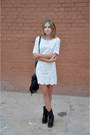 Black-bronx-boots-white-massimo-dutti-dress