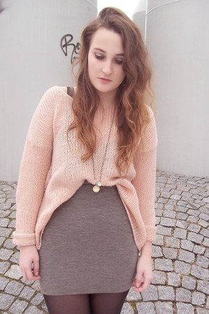 Secondhand sweater - Secondhand skirt