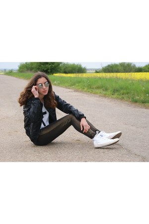 black H&amp;M jacket - dark brown pull&amp;bear leggings - white Converse sneakers