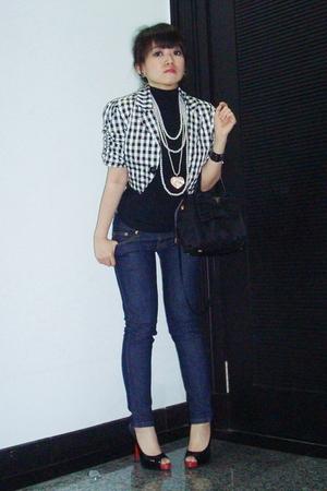 black random brand top - white random brand blazer - blue random brand jeans - b