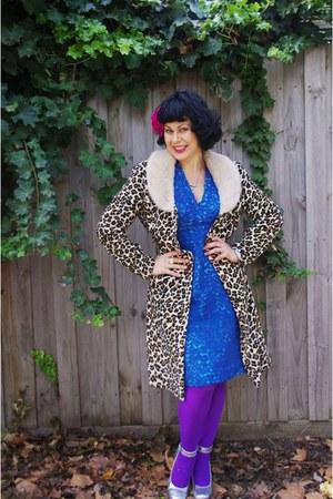 Old Myer coat - Vintage etsy dress - Old Myer tights - Sale Wittner heels