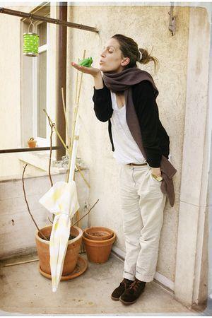S Oliver cardigan - H&M t-shirt - H&M pants - Bata shoes - Bershka scarf