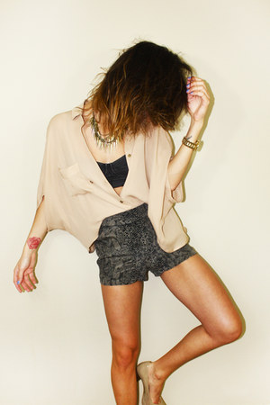 silk wilfred shorts - Myne blouse - nude calvin klein pumps