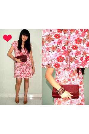 Urbie Store wwwbloopendorsecom dress - from australia - Belongs to mom shoes - F
