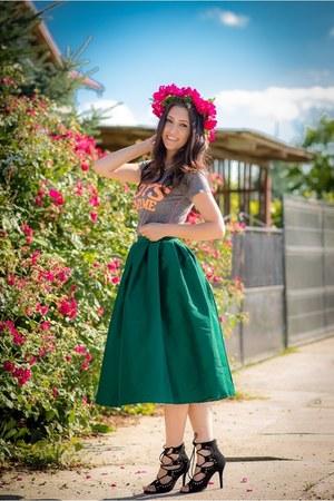Choies skirt - Choies sandals - Borealy necklace - Zara t-shirt
