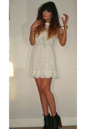 eggshell lace dress Zara dress - turquoise blue Topshop necklace