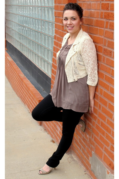beige modcloth jacket - brown top - black jeans - beige modcloth shoes