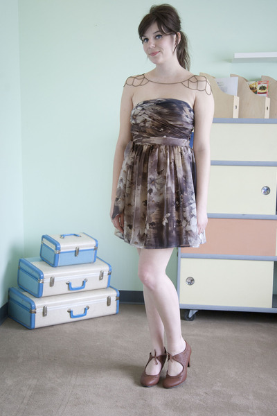 charcoal gray modcloth dress - brown modcloth heels - silver modcloth necklace