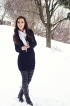 gray slouchy Feet First boots - black bodycon Mango dress