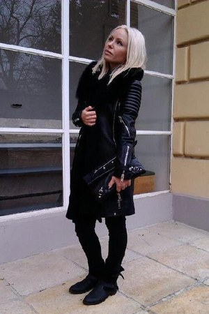 black Mango boots - black leather Burberry coat - black H&M jeans