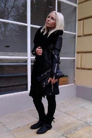 black Mango boots - black leather Burberry coat - black H&M jeans