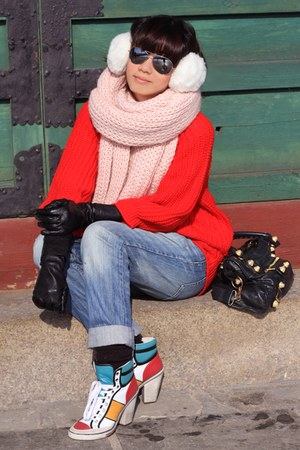 light pink scarf - white combat boots Ash fo Pedder Red boots