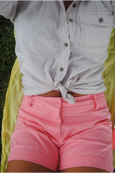 coral shorts - light pink H&M shirt