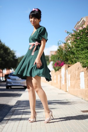 teal H&M dress - light pink BLANCO heels