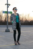 white zebra romwe coat - black ripped pants - black Zara sandals