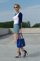blue Atmosphere sweater - green beyonce for hm H&M shorts - white Atmosphere top