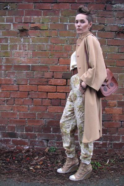 beige Vintage camel cape coat - beige Vintage Ralph Lauren vest - green Vintage