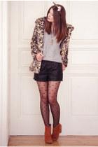 tan H&M coat - tawny humanic boots - tan humanic tights - black vjstyle shorts