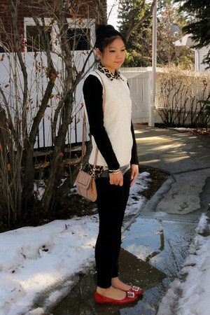 Forever 21 sweater - Cisono leggings - Guess bag - Forever 21 top