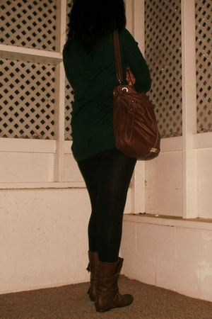 green sweater - black leggings - brown boots