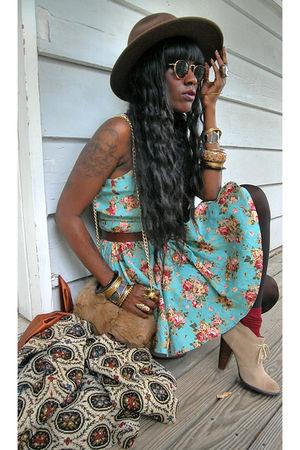 boots - beige coat - brown hat - beige purse - gold accessories