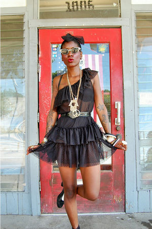 black dress - black shoes - black accessories - black sunglasses - gold accessor