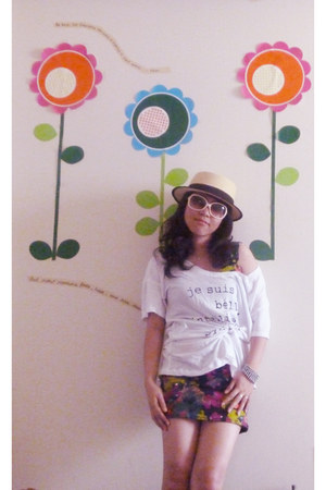 Urban Outfitters hat - H&M glasses - BCBG t-shirt