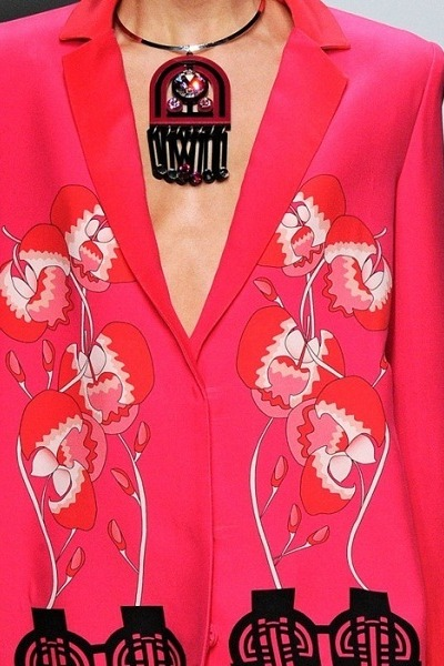 hot pink blazer - black necklace