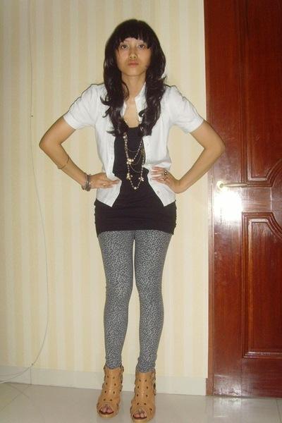 Zara leopard print leggings - Unbranded black long tanktop - supre white shirt -