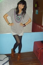 Zara blouse - Kamiseta shorts - vnc boots - tights - Random bracelets