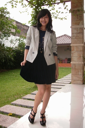 blue vintage dress - white Mango blazer - black Topshop shoes