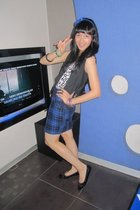 forever 21 blue plaid skirt - forever 21 printed tank top - Rusty vest - vnc bla