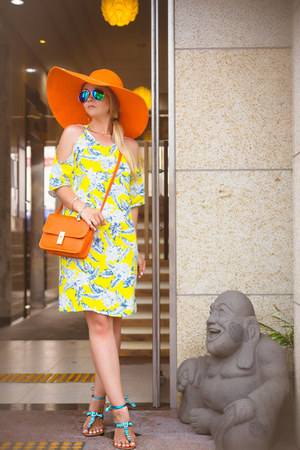 orange San Diego hat - yellow Motel Rocks dress - blue zeroUV sunglasses