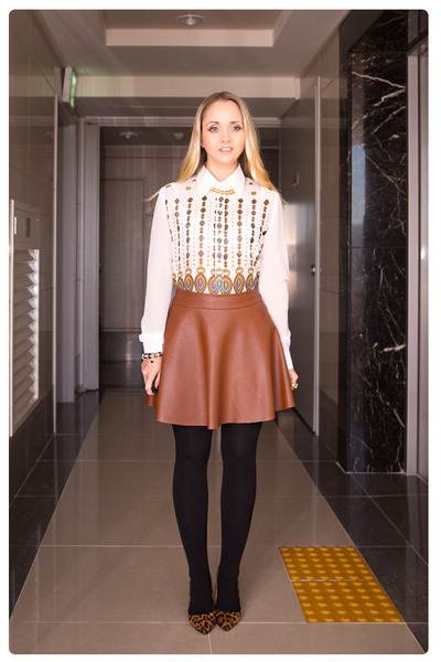 tawny Miss Nabi skirt - tawny Miss Nabi heels - white romwe blouse