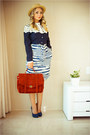 Maroon-woakao-jacket-maroon-udobuy-bag-blue-count-the-sheep-skirt