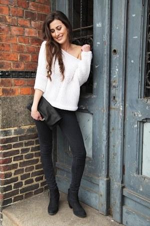 ivory Iris Von Arnim sweater - black COS bag