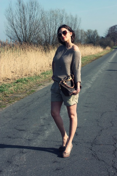 beige Hallhuber jumper - light brown Louis Vuitton bag - tan Hallhuber shorts