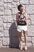 white skort Zara shorts - black floral top - light pink cardigan