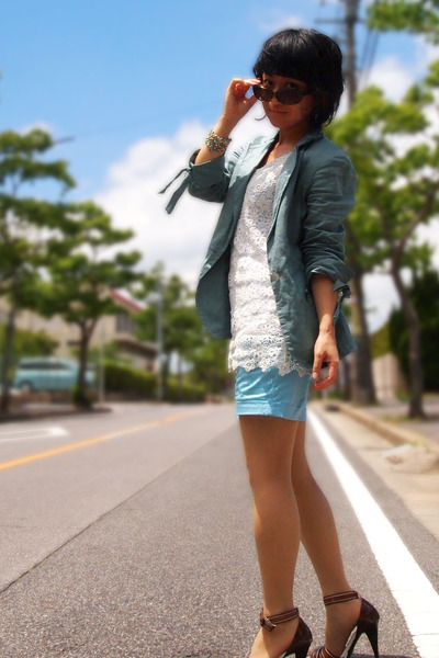 white lace top - sky blue blazer - sky blue H&amp;M shorts - brown heels