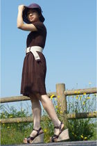 brown dress - black hat - belt - shoes