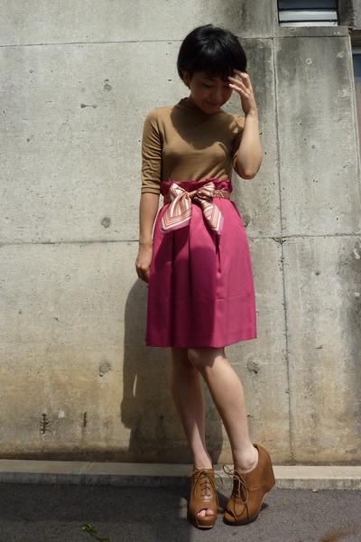 pink DKNY scarf - brown shoes - pink skirt - beige top